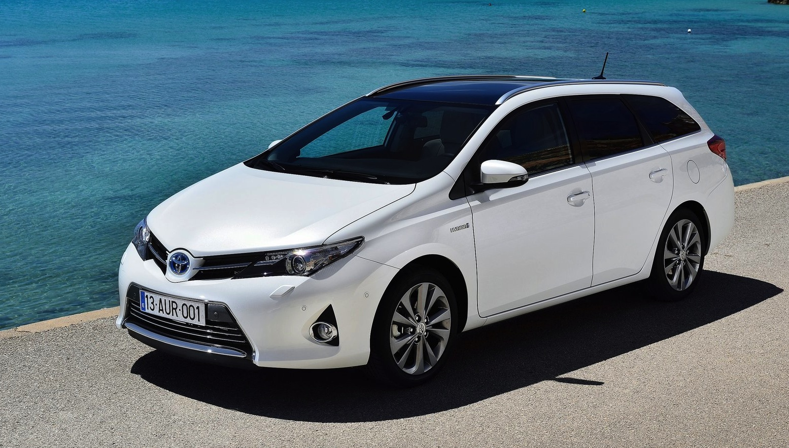toyota corolla gets hybrid wagon option for europe photos 1 of 8. Black Bedroom Furniture Sets. Home Design Ideas