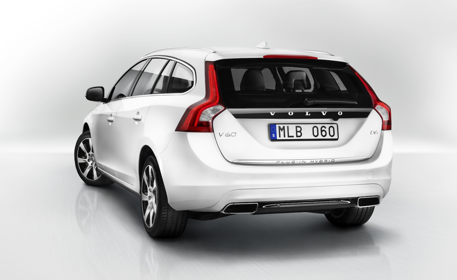 volvo v60 plug in hybrid no closer to australian launch. Black Bedroom Furniture Sets. Home Design Ideas