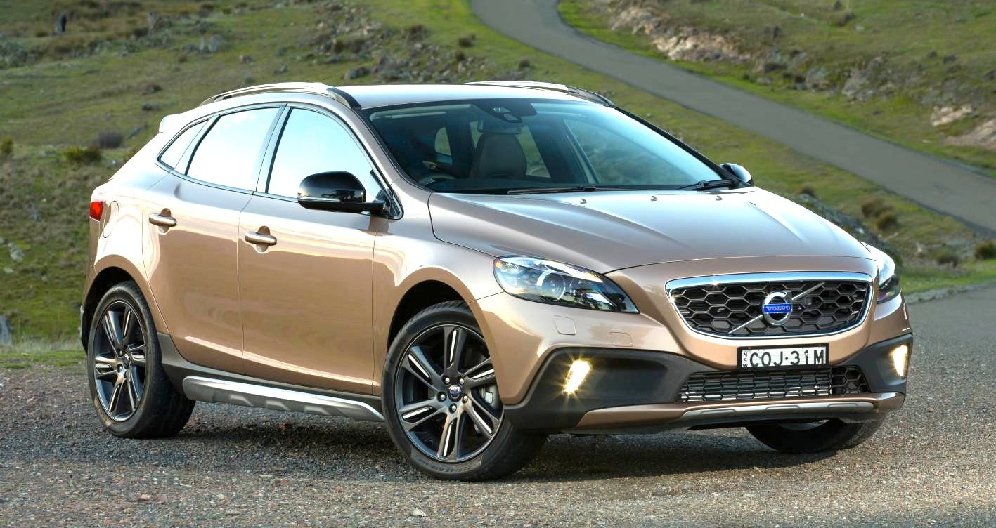 volvo v40 cross country pricing and specifications photos 1 of 7