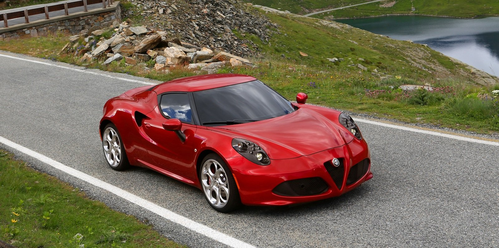 alfa romeo 4c review caradvice. Black Bedroom Furniture Sets. Home Design Ideas