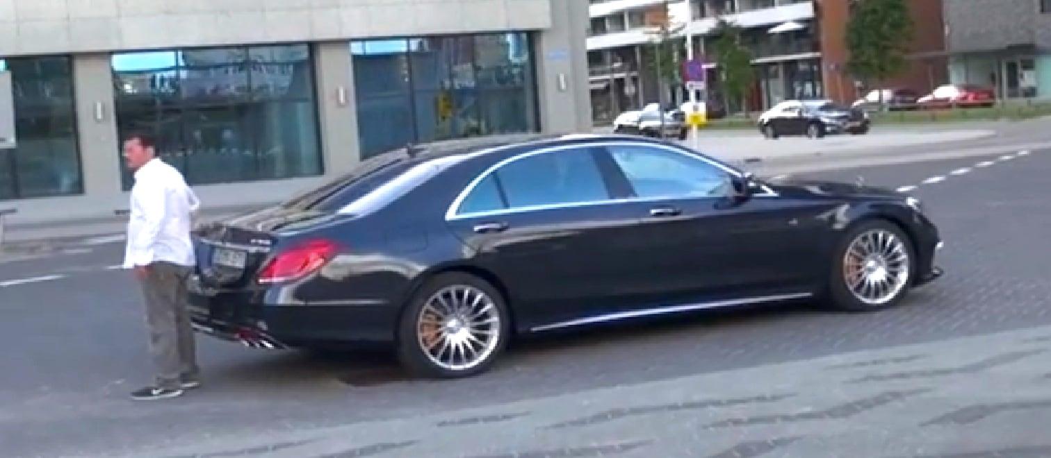 Mercedes benz s65 amg performance limousine caught for Mercedes benz limousine price