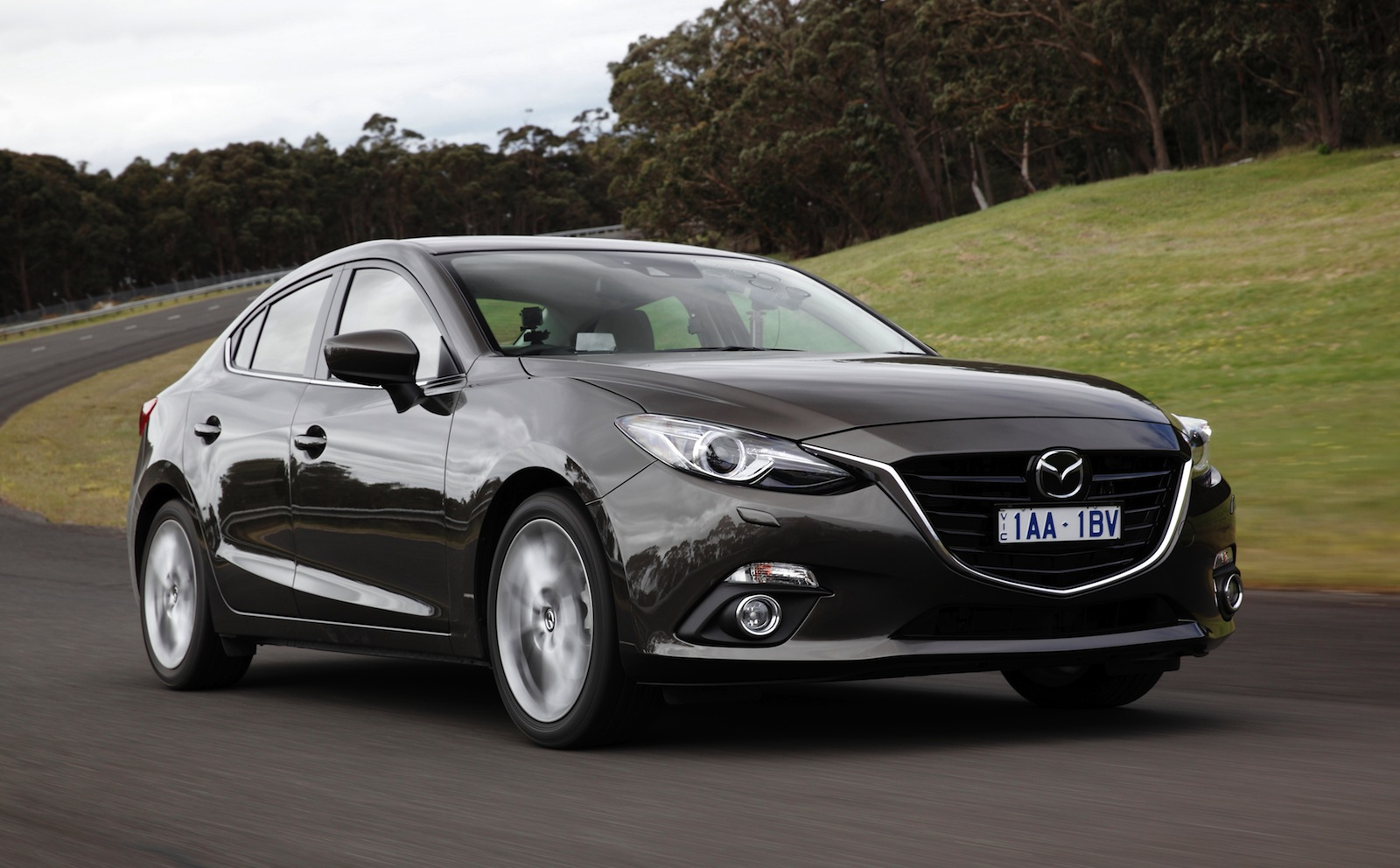 2014 mazda 3 v old mazda 3 comparison review caradvice. Black Bedroom Furniture Sets. Home Design Ideas