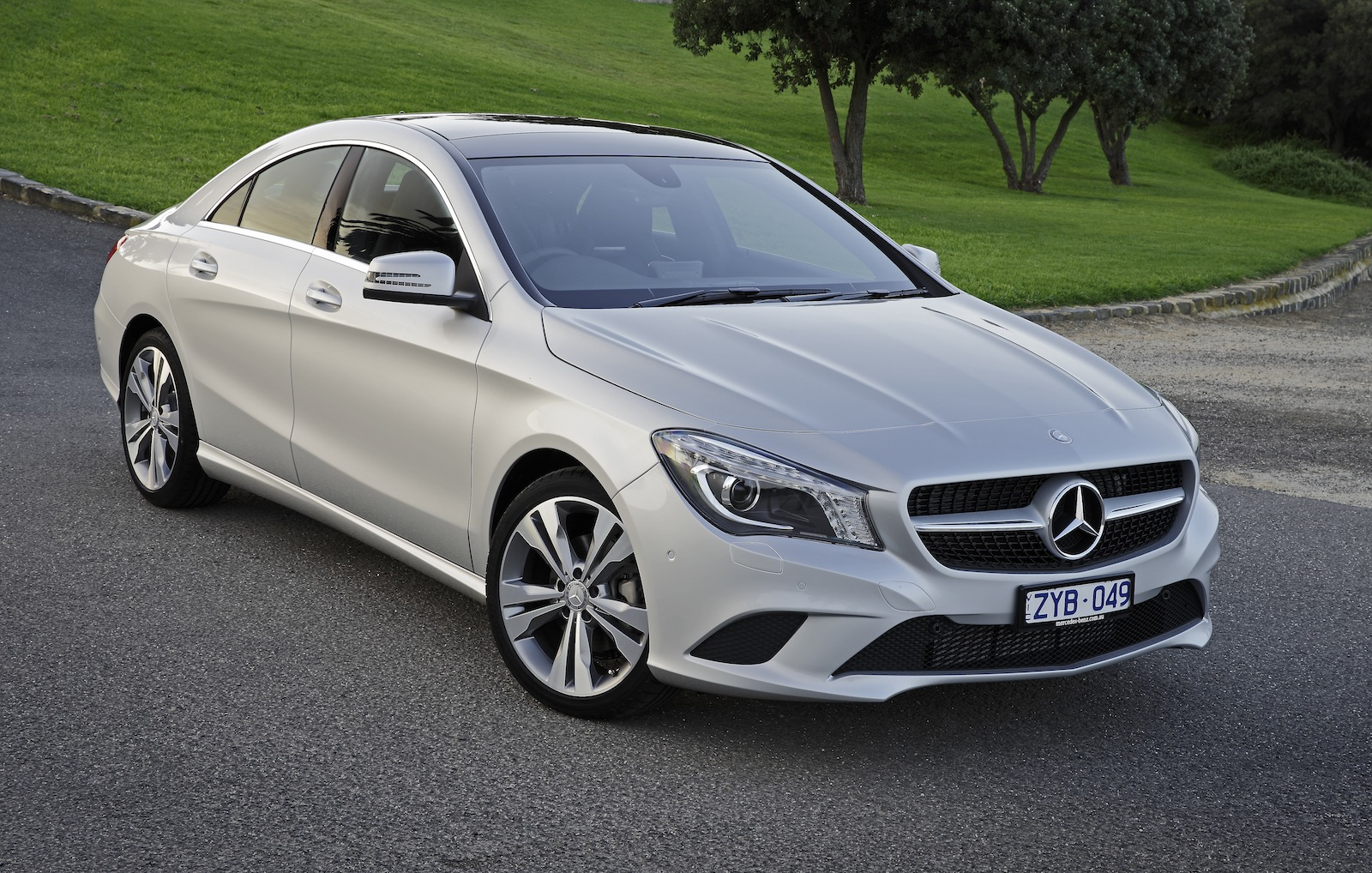 Mercedes benz cla class review cla200 caradvice for Mercedes benze cla