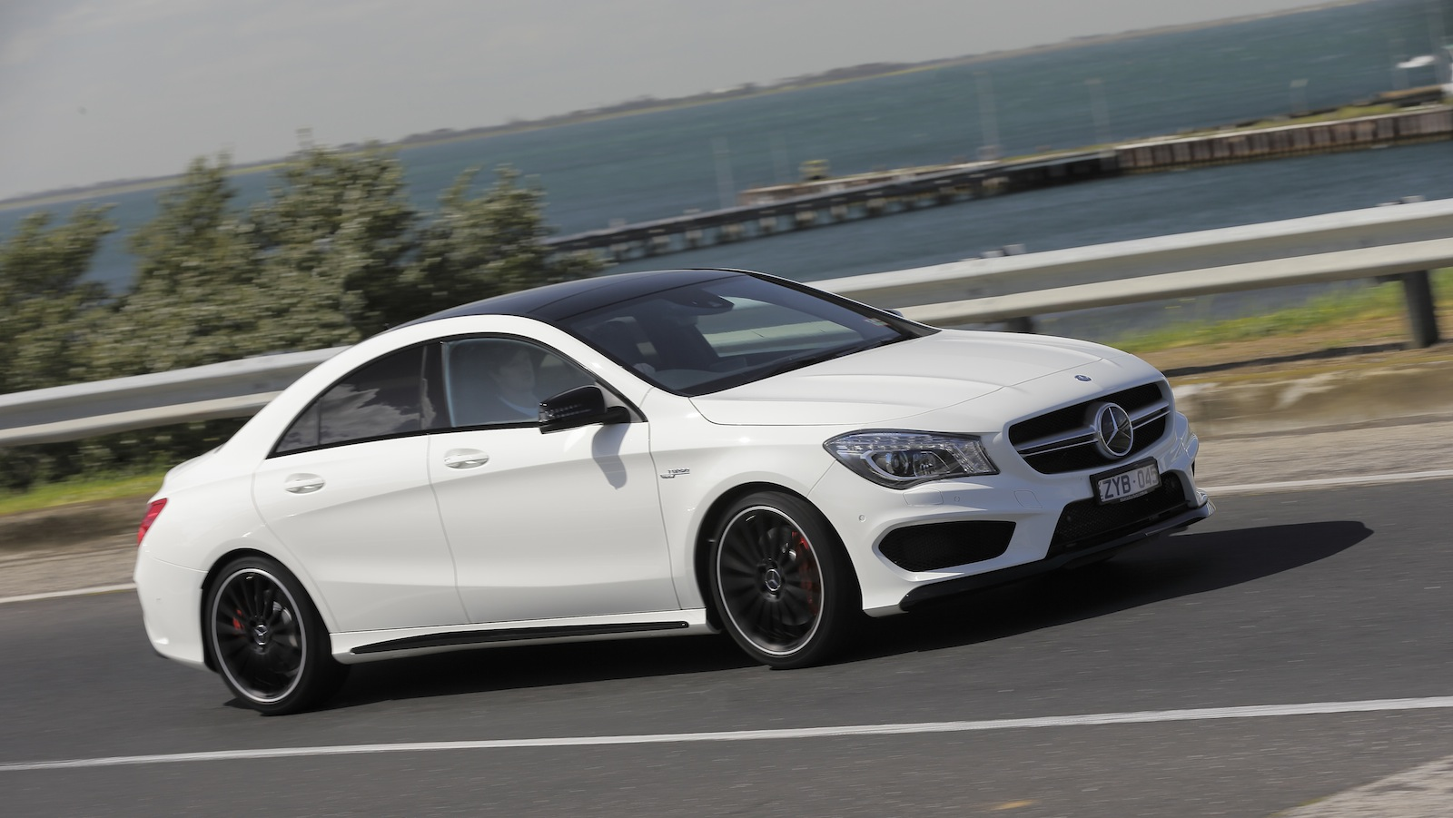 Mercedes benz cla45 amg reviews mercedes benz cla45 amg for 2016 mercedes benz cla45 amg