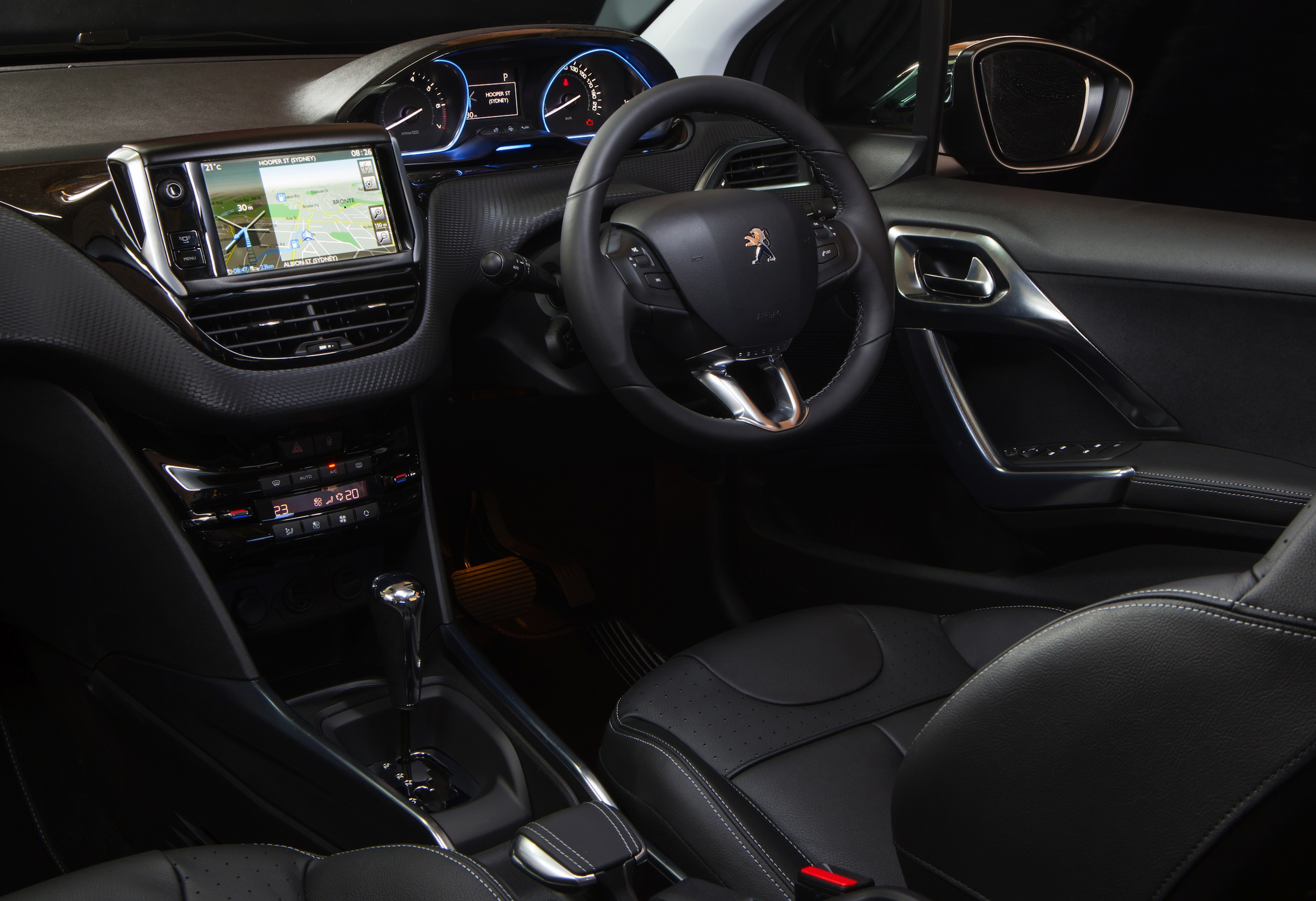 The gallery for peugeot 2008 allure interior for Peugeot 2008 interieur
