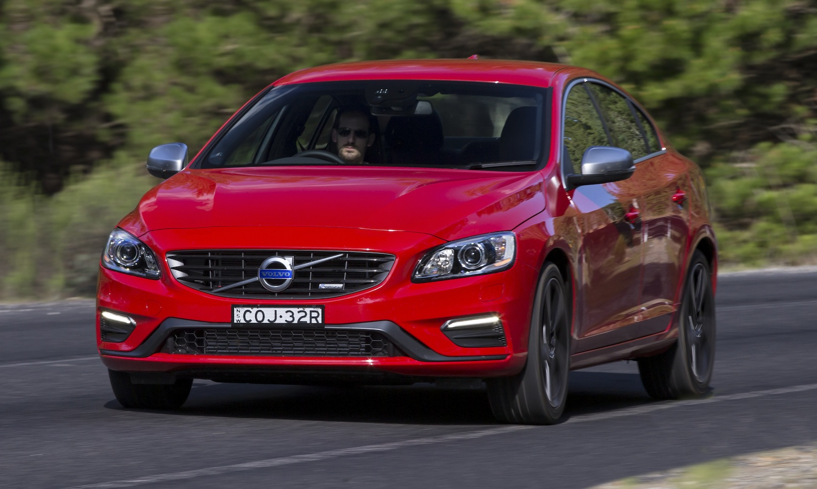 volvo s60 v60 update pricing and specifications photos 1 of 6. Black Bedroom Furniture Sets. Home Design Ideas