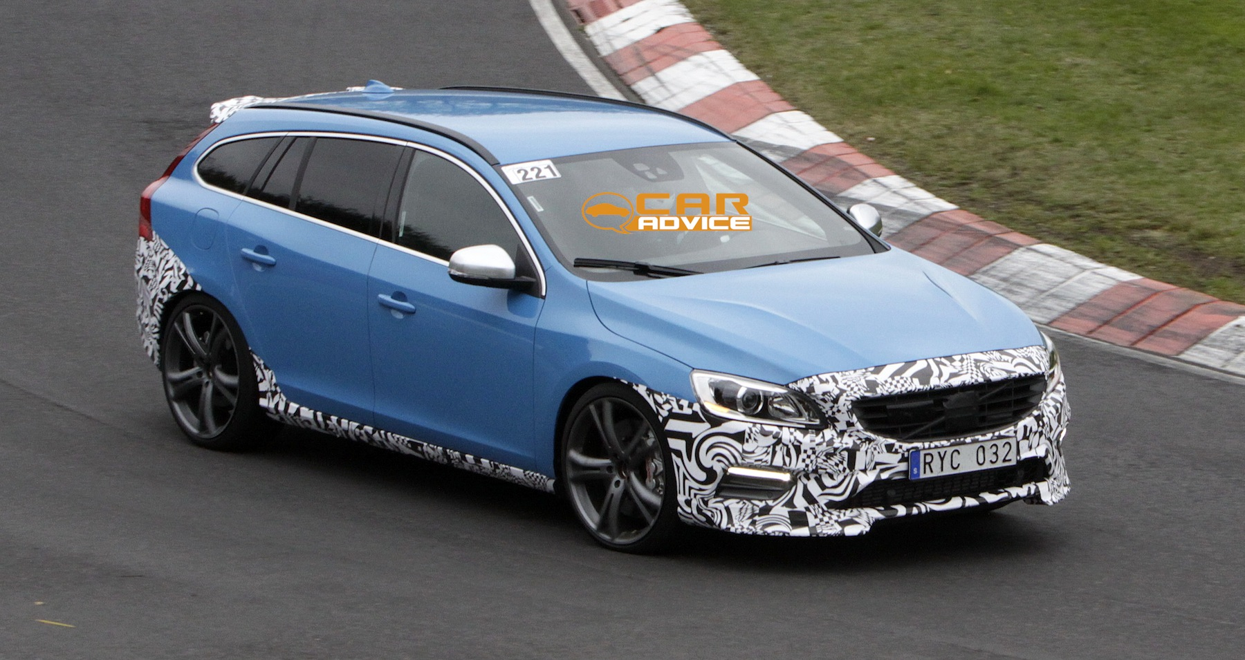 volvo v60 polestar hot swedish wagon spied lapping. Black Bedroom Furniture Sets. Home Design Ideas