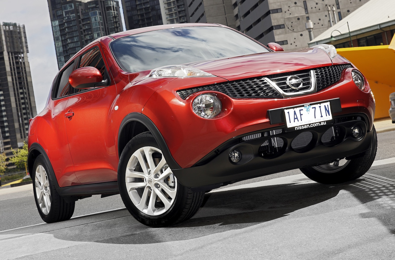 nissan juke pricing and specifications photos 1 of 21. Black Bedroom Furniture Sets. Home Design Ideas