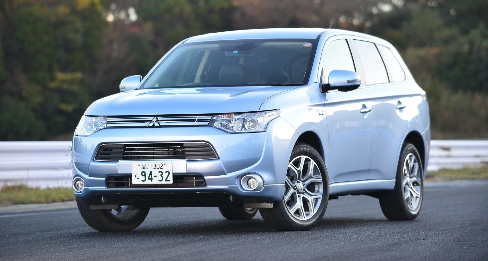 mitsubishi outlander phev to increase suvs environmental