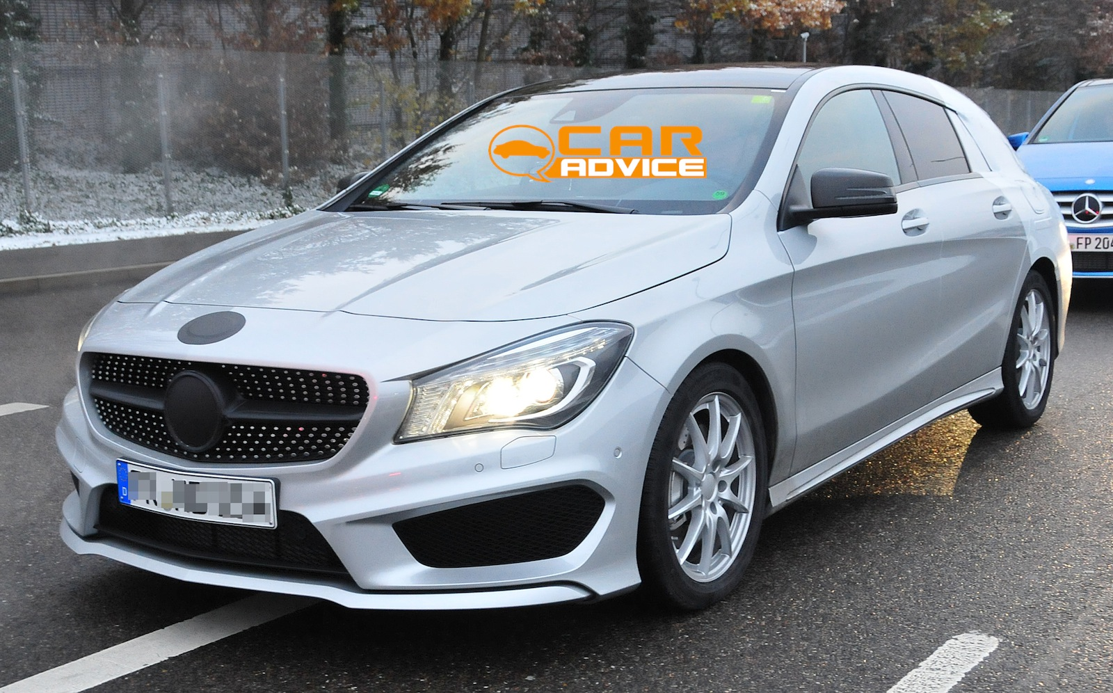Mercedes benz cla shooting brake compact wagon spied for Compact mercedes benz