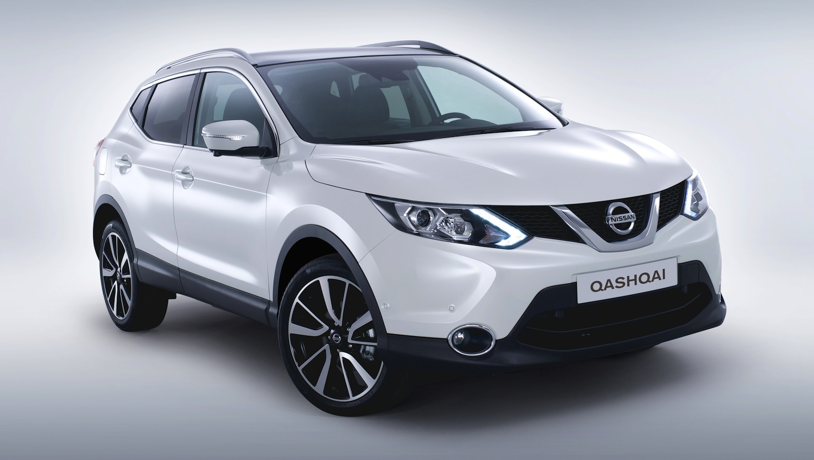 nissan qashqai pricing and specifications photos 1 of 4. Black Bedroom Furniture Sets. Home Design Ideas