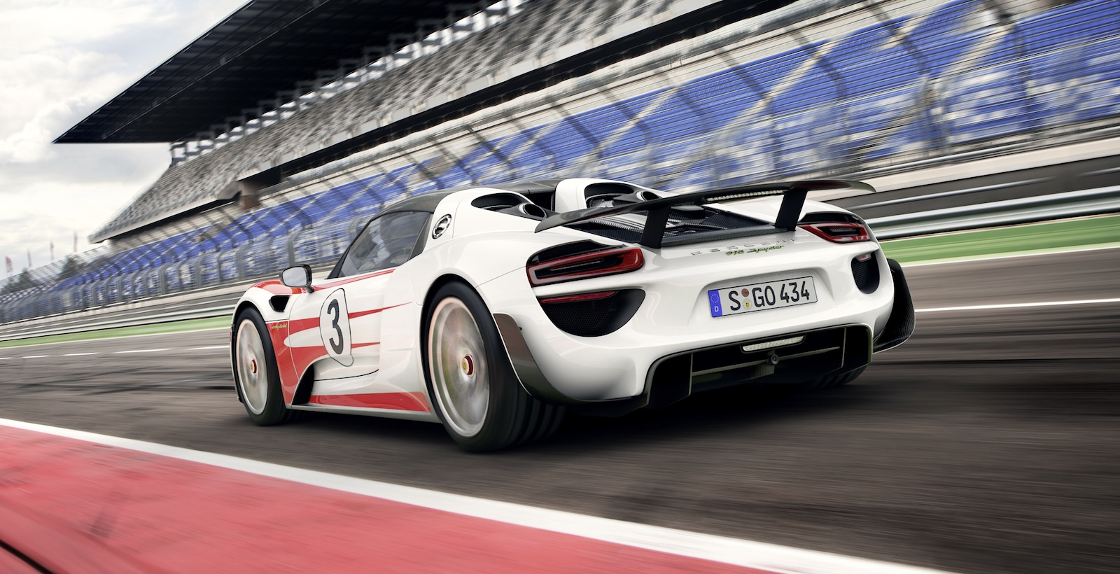 porsche 918 spyder weissach pack option claims 0. Black Bedroom Furniture Sets. Home Design Ideas