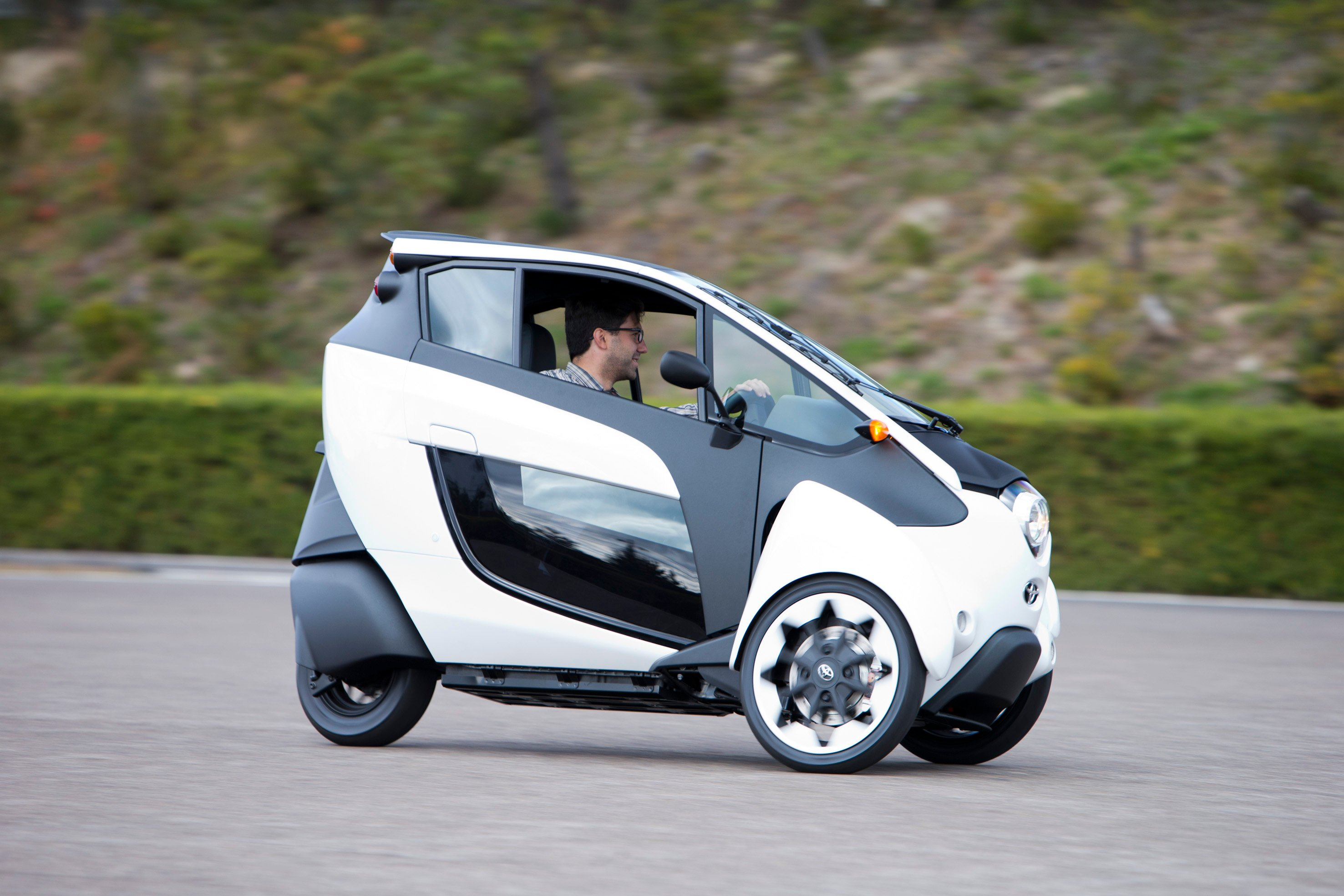 Toyota i-Road Concept Review | CarAdvice