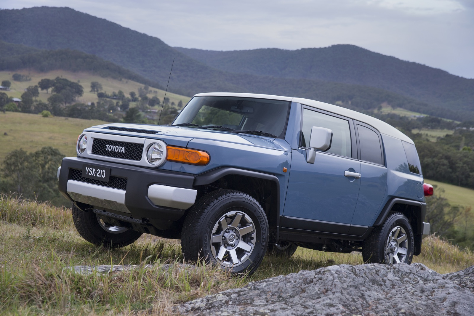 Toyota Fj Cruiser Lifestyle Review Photos Caradvice