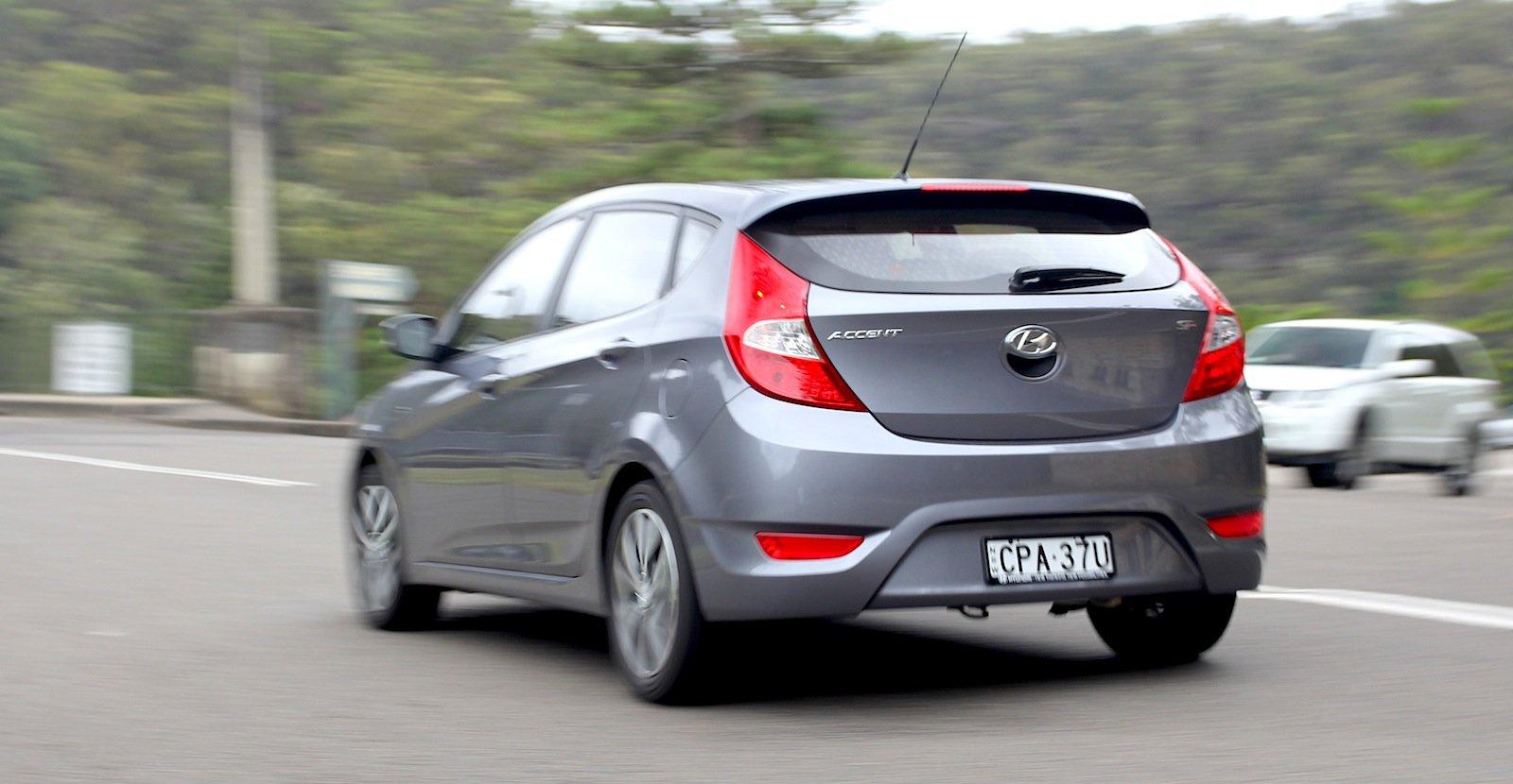 2017 Honda Civic Lx >> 2014 Hyundai Accent Review: SR   CarAdvice