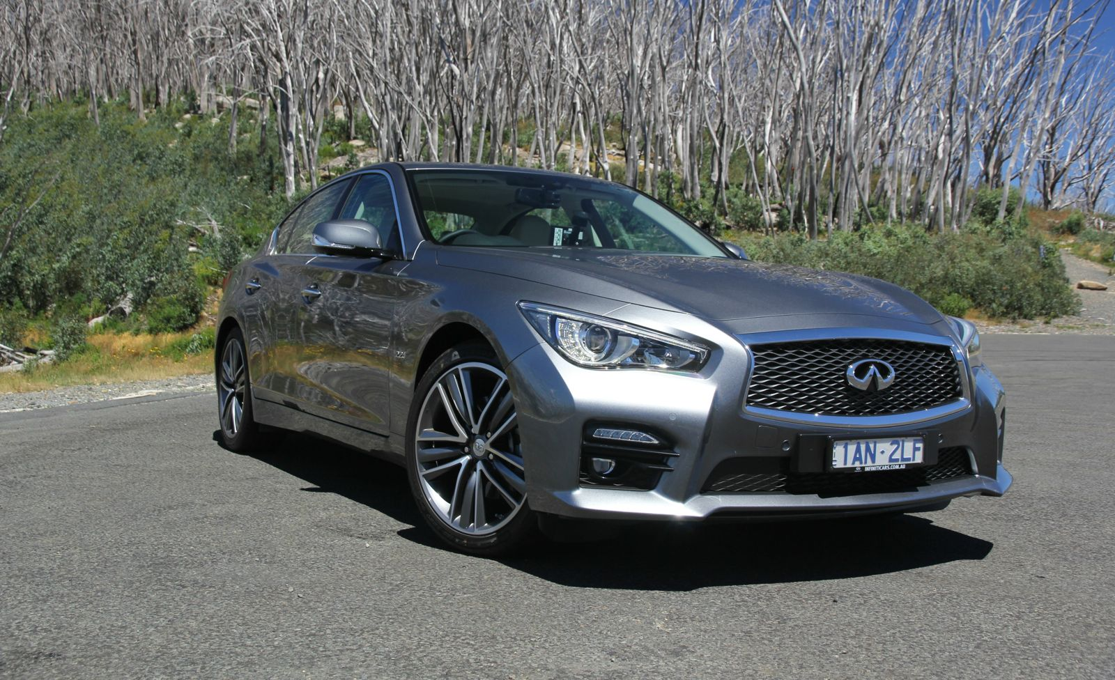 infiniti q50 review caradvice. Black Bedroom Furniture Sets. Home Design Ideas
