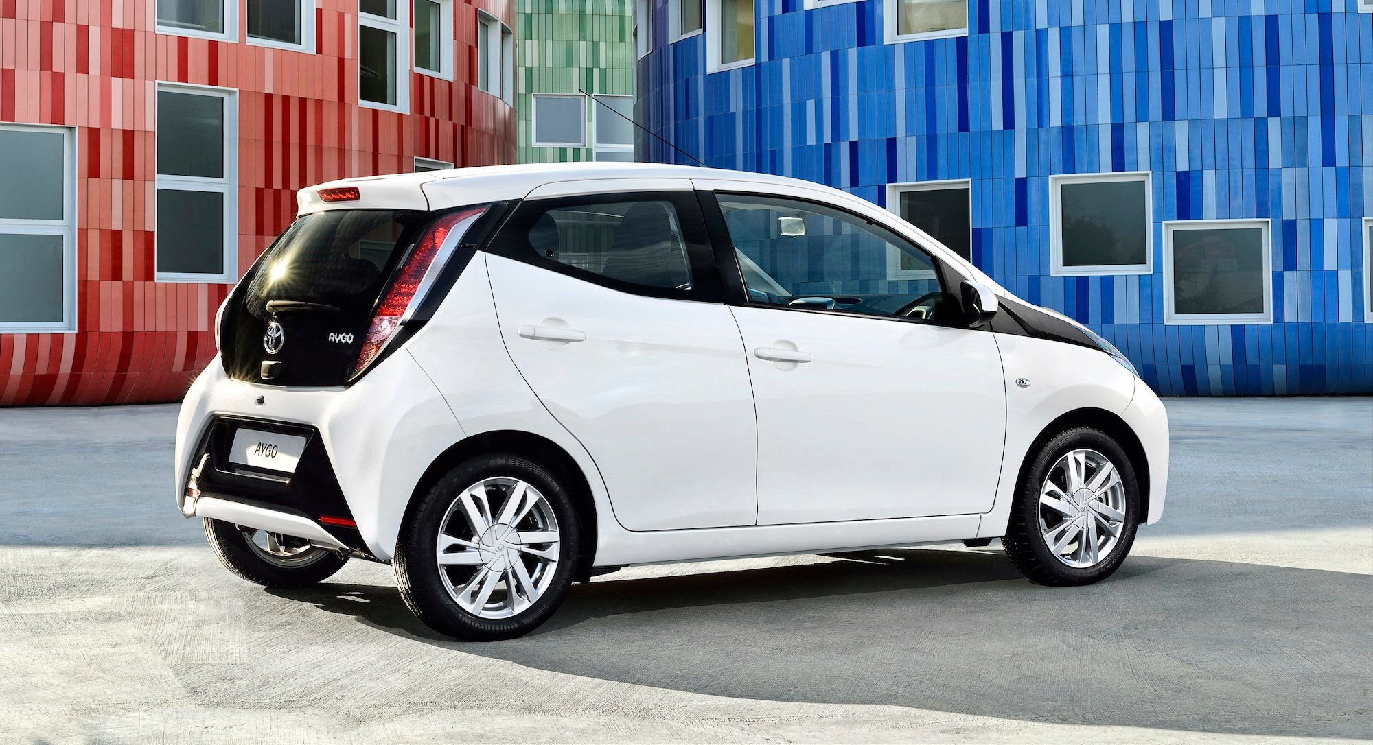2014 toyota aygo euro hip city hatch unveiled photos 1 of 16. Black Bedroom Furniture Sets. Home Design Ideas