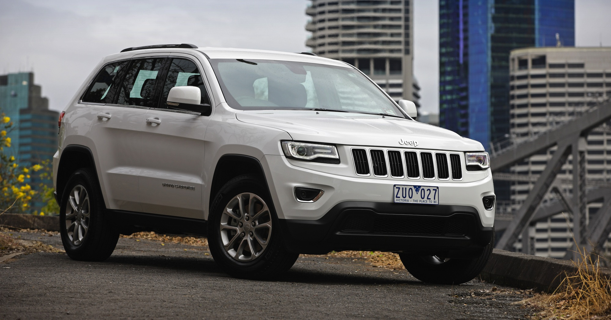 jeep grand cherokee recalls : esc issue, safety tech problems for