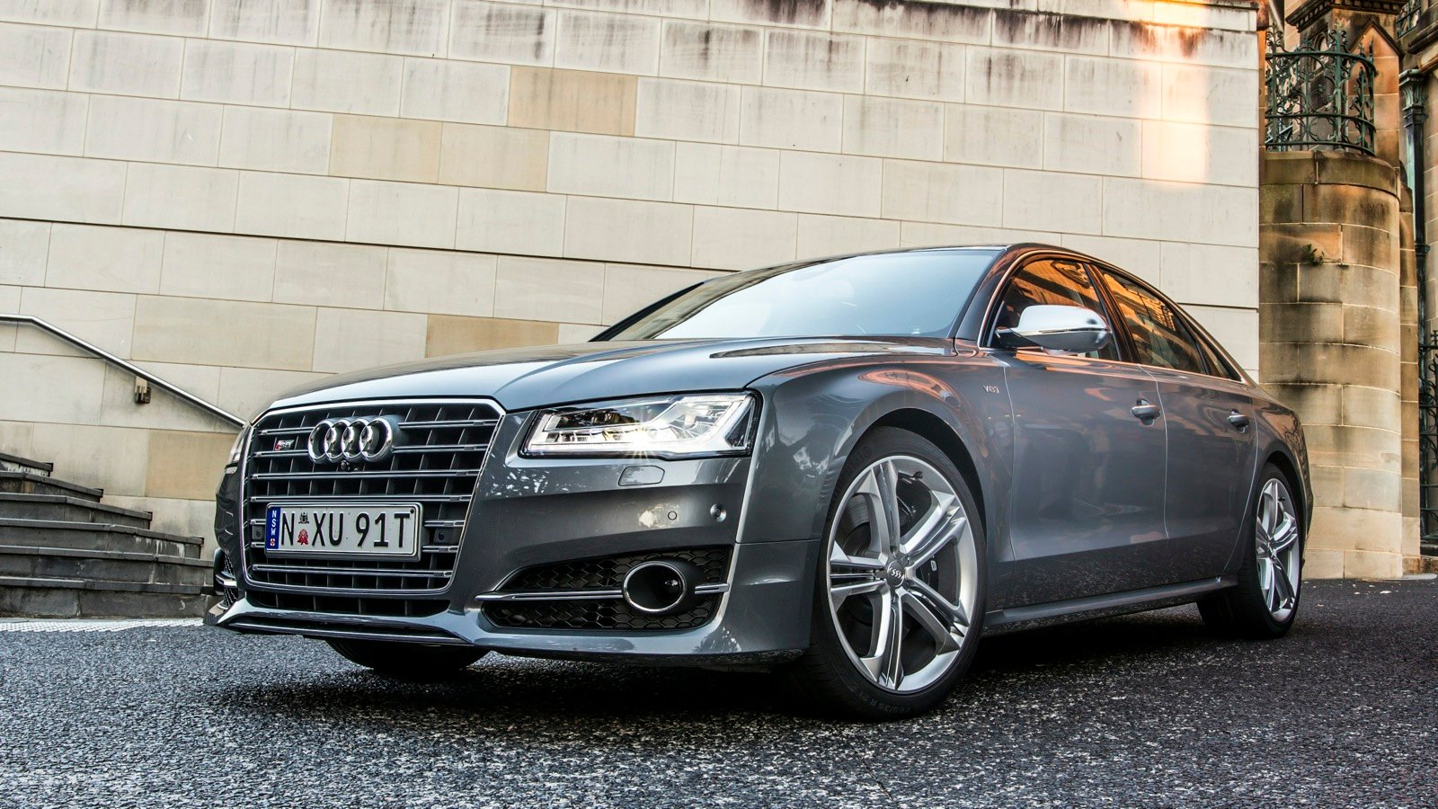 Audi s8 v mercedes benz s63 amg comparison review for Mercedes benz s63 amg price