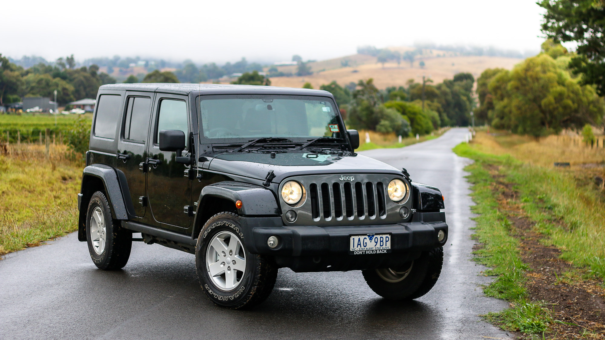 2014 jeep wrangler review freedom special edition caradvice. Black Bedroom Furniture Sets. Home Design Ideas