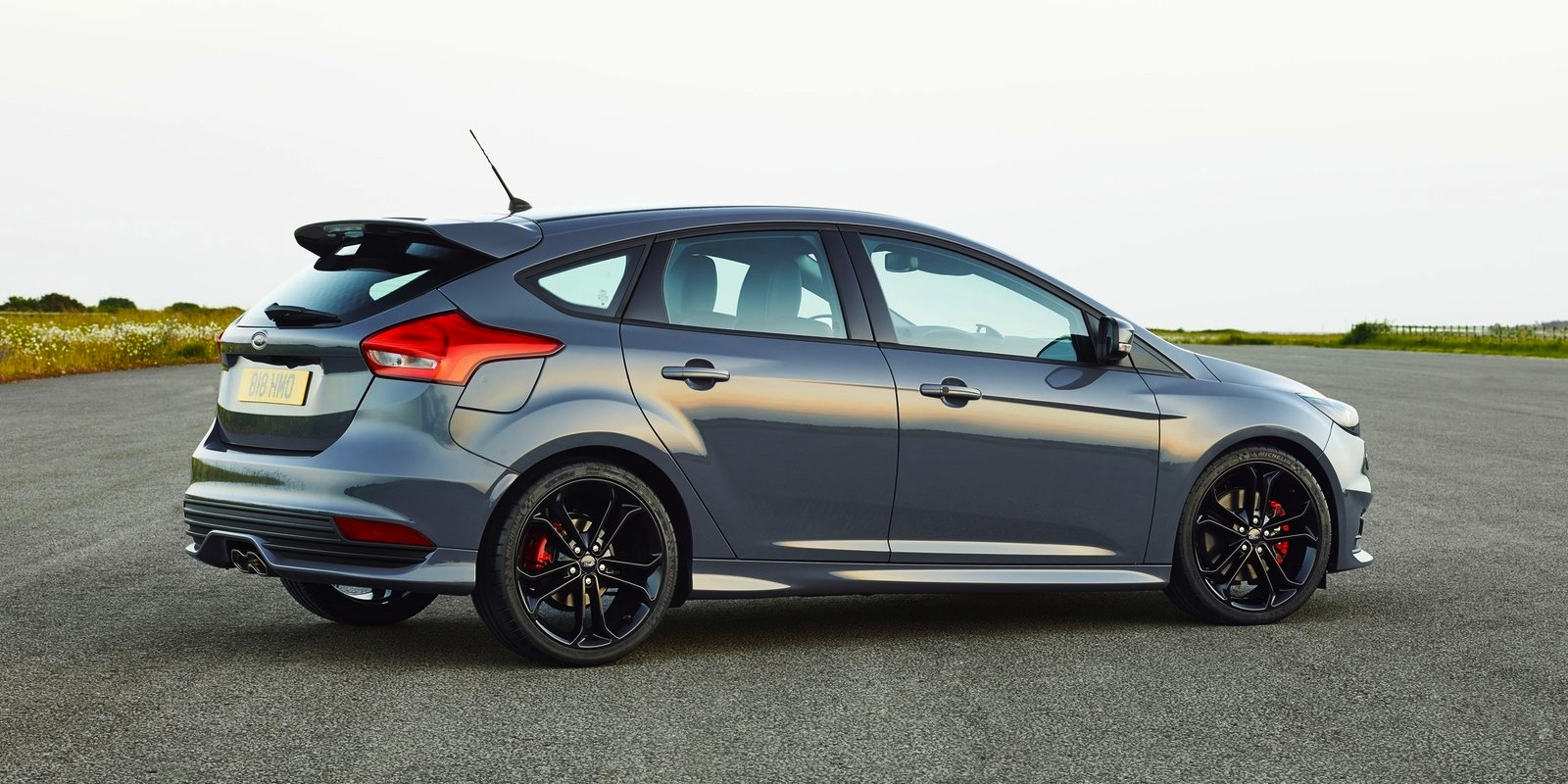 2015 ford focus st diesel becomes brand 39 s most efficient. Black Bedroom Furniture Sets. Home Design Ideas