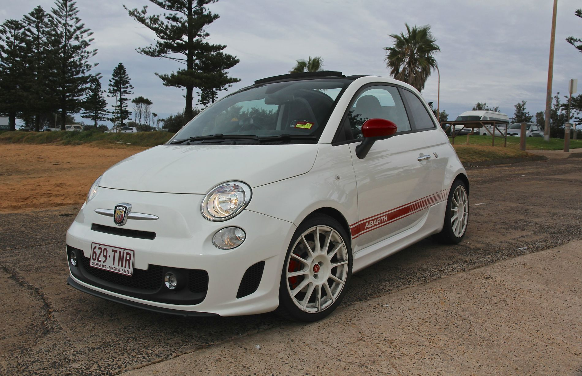 2014 fiat abarth 500c esseesse review caradvice. Black Bedroom Furniture Sets. Home Design Ideas