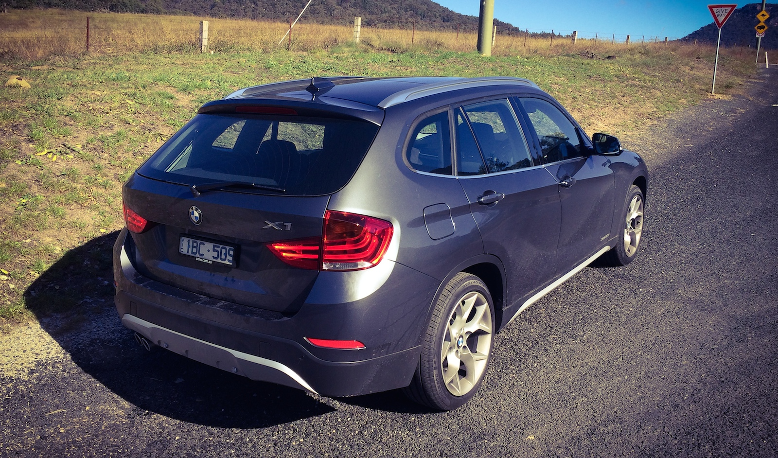 compare 2014 bmw x1 xdrive to 2014 subaru forester autos post. Black Bedroom Furniture Sets. Home Design Ideas