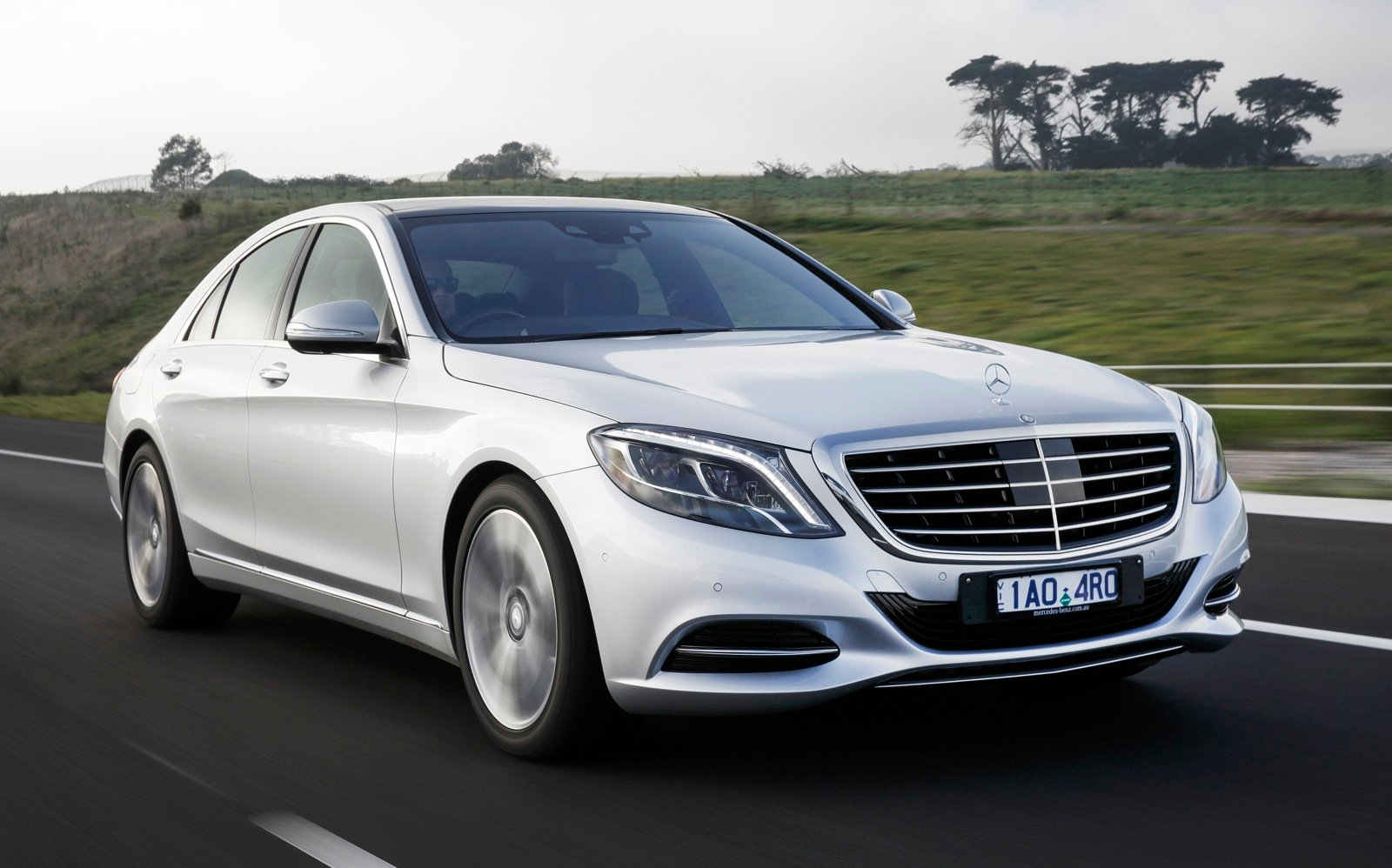 Mercedes benz s300 bluetec hybrid review caradvice for Hybrid mercedes benz
