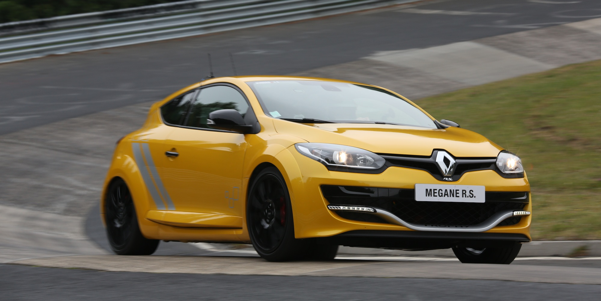 renault megane rs275 trophy review lapping the nurburgring caradvice. Black Bedroom Furniture Sets. Home Design Ideas