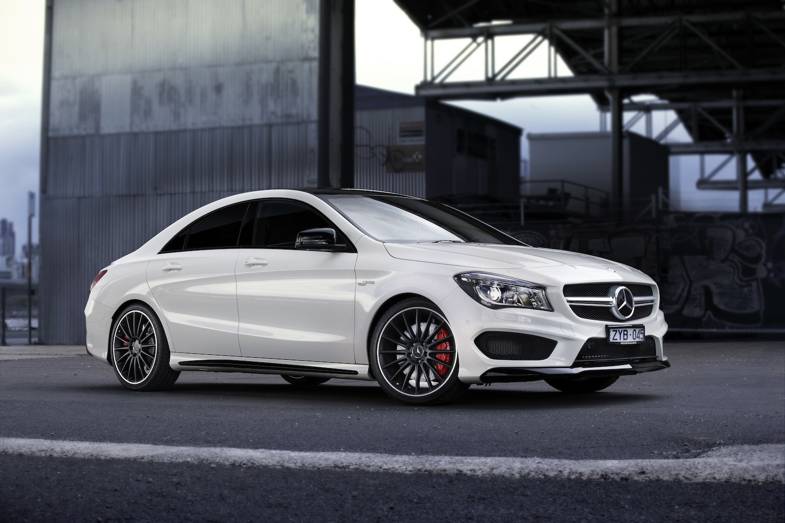 mercedes benz whittles back a45 amg and cla45 amg waiting. Black Bedroom Furniture Sets. Home Design Ideas