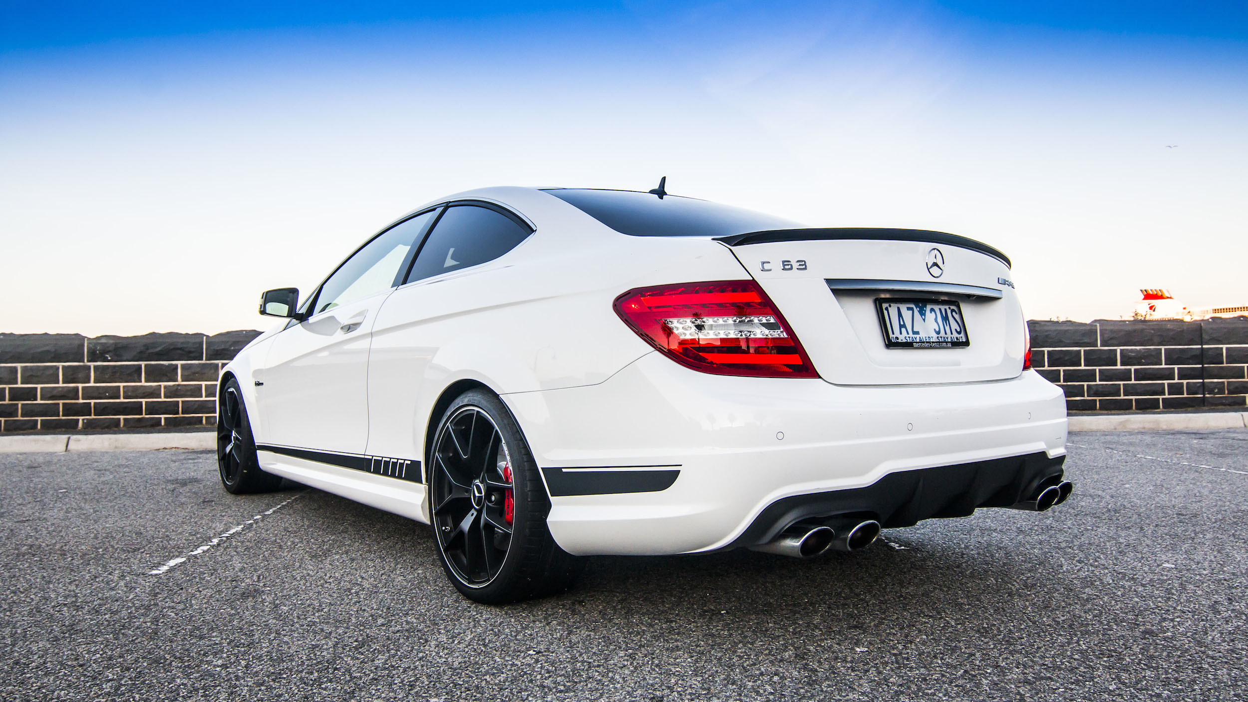 Bmw m4 v mercedes benz c63 amg edition 507 comparison for Bmw mercedes benz