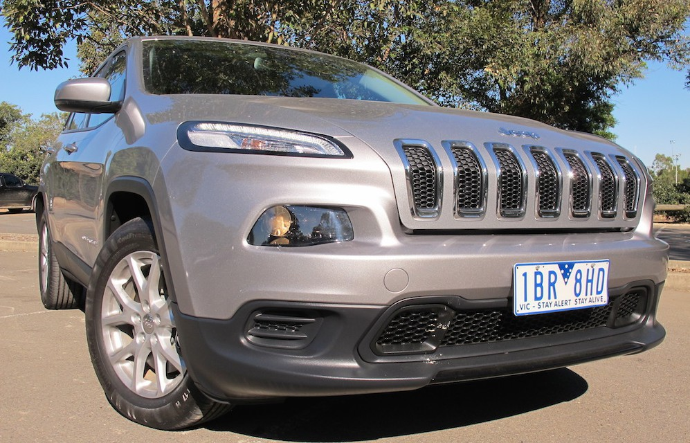 2014 jeep cherokee sport review caradvice. Cars Review. Best American Auto & Cars Review