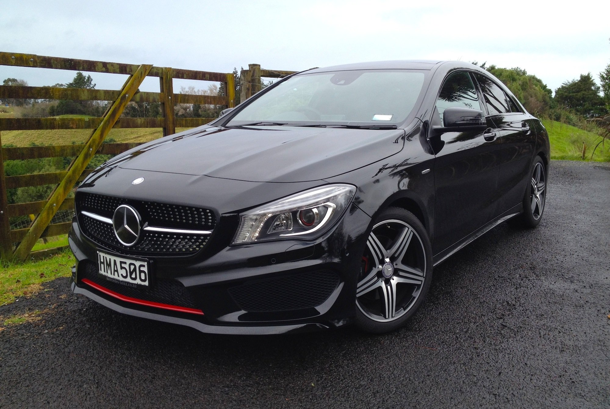 Mercedes benz cla class review cla250 sport 4matic for Pictures of a mercedes benz