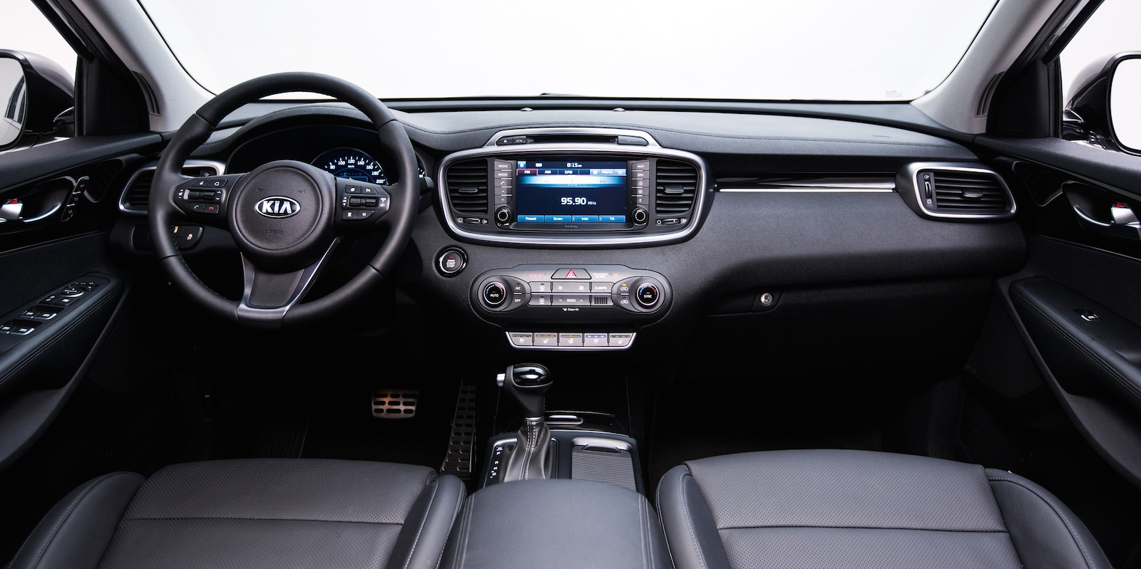 2015 kia sorento interior images and additional for Interieur forum
