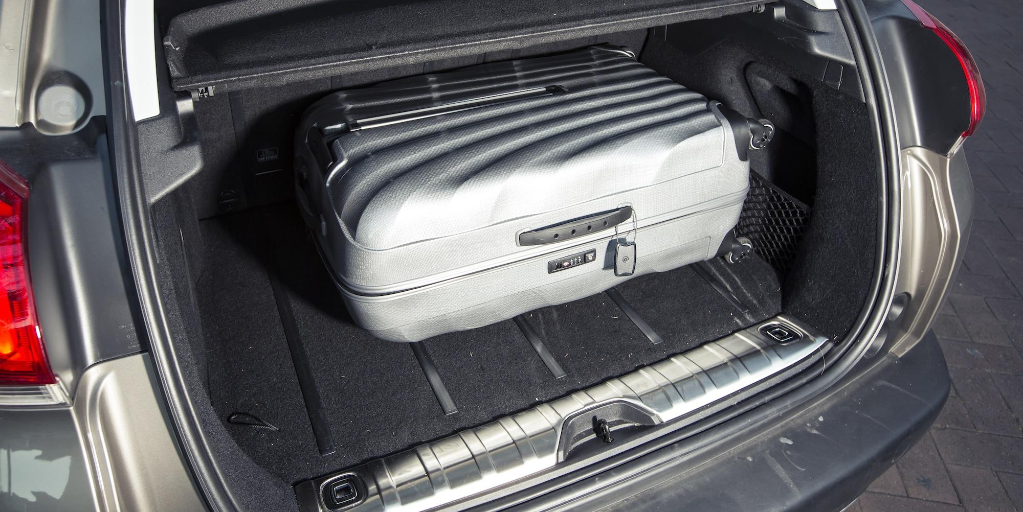 Small SUV Comparison : Nissan Qashqai v Holden Trax v ...