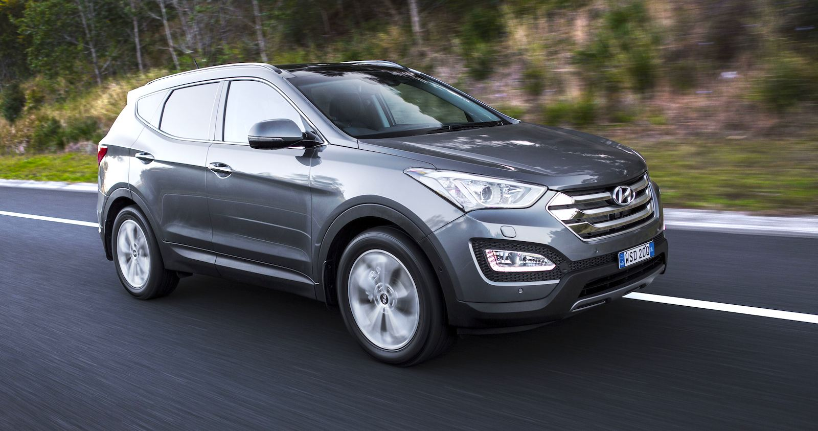 2015 hyundai santa fe pricing and specifications photos 1 of 2. Black Bedroom Furniture Sets. Home Design Ideas