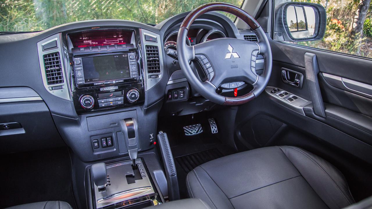 2015 mitsubishi pajero review - Mitsubishi Montero 2015 Interior