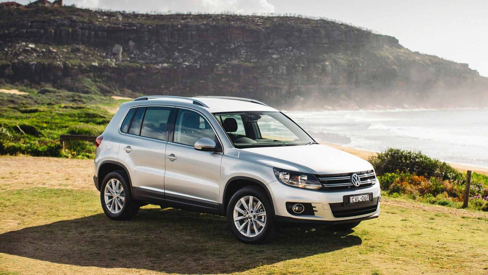 2015 volkswagen tiguan pricing and specifications photos 1 of 15. Black Bedroom Furniture Sets. Home Design Ideas