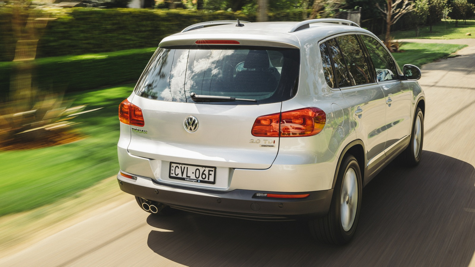 2015 volkswagen tiguan pricing and specifications photos. Black Bedroom Furniture Sets. Home Design Ideas
