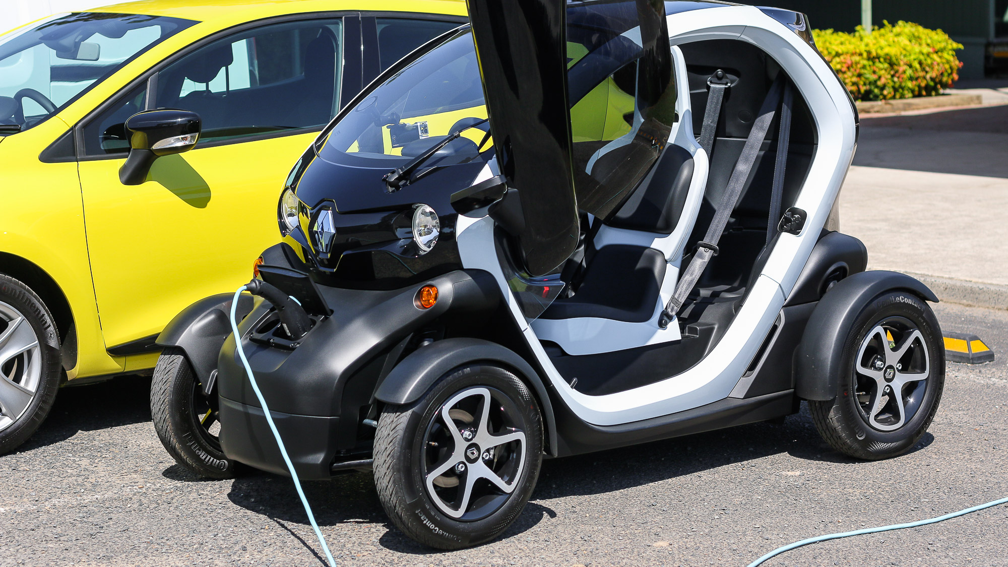 renault twizy review first australian drive caradvice. Black Bedroom Furniture Sets. Home Design Ideas