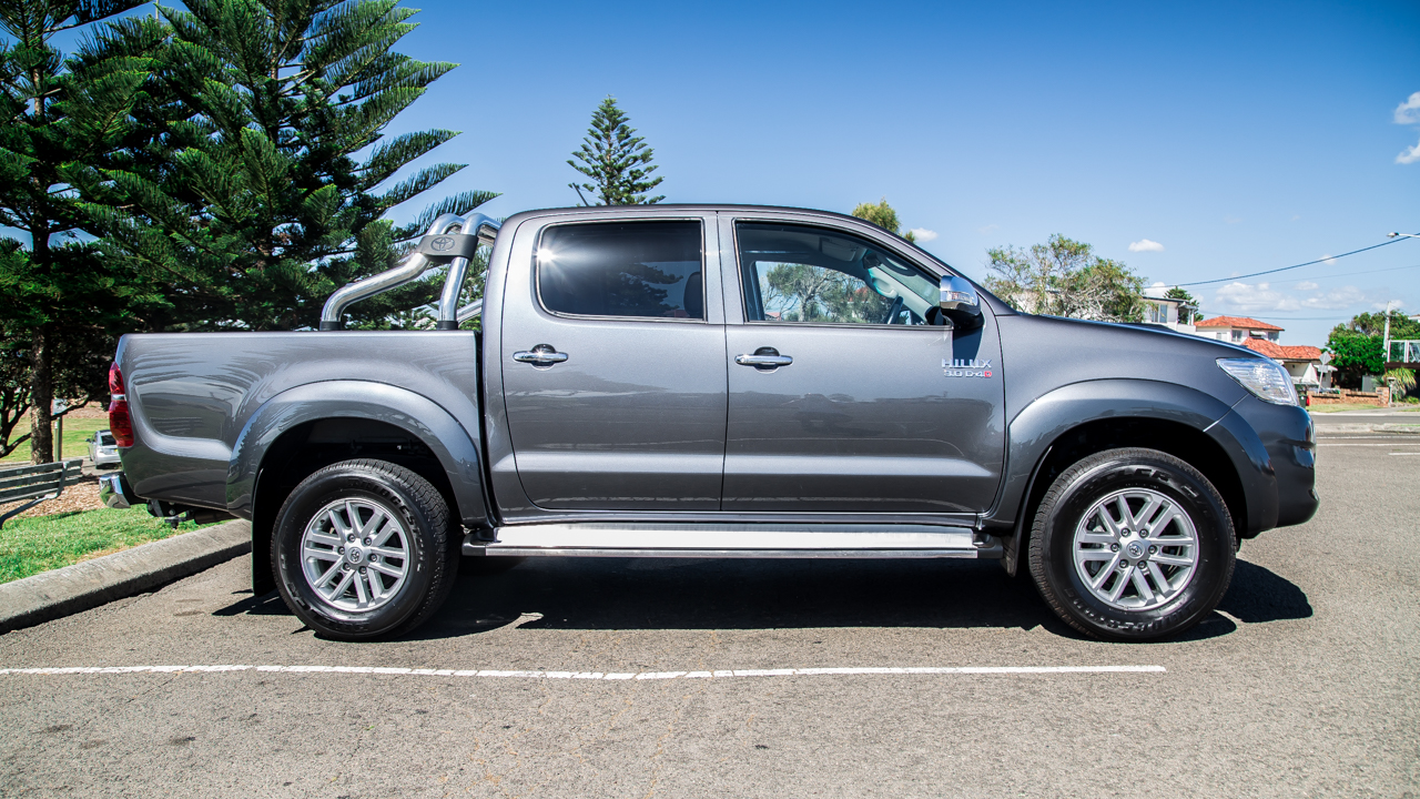 toyota hilux v toyota tundra comparison review photos 1 of 60. Black Bedroom Furniture Sets. Home Design Ideas