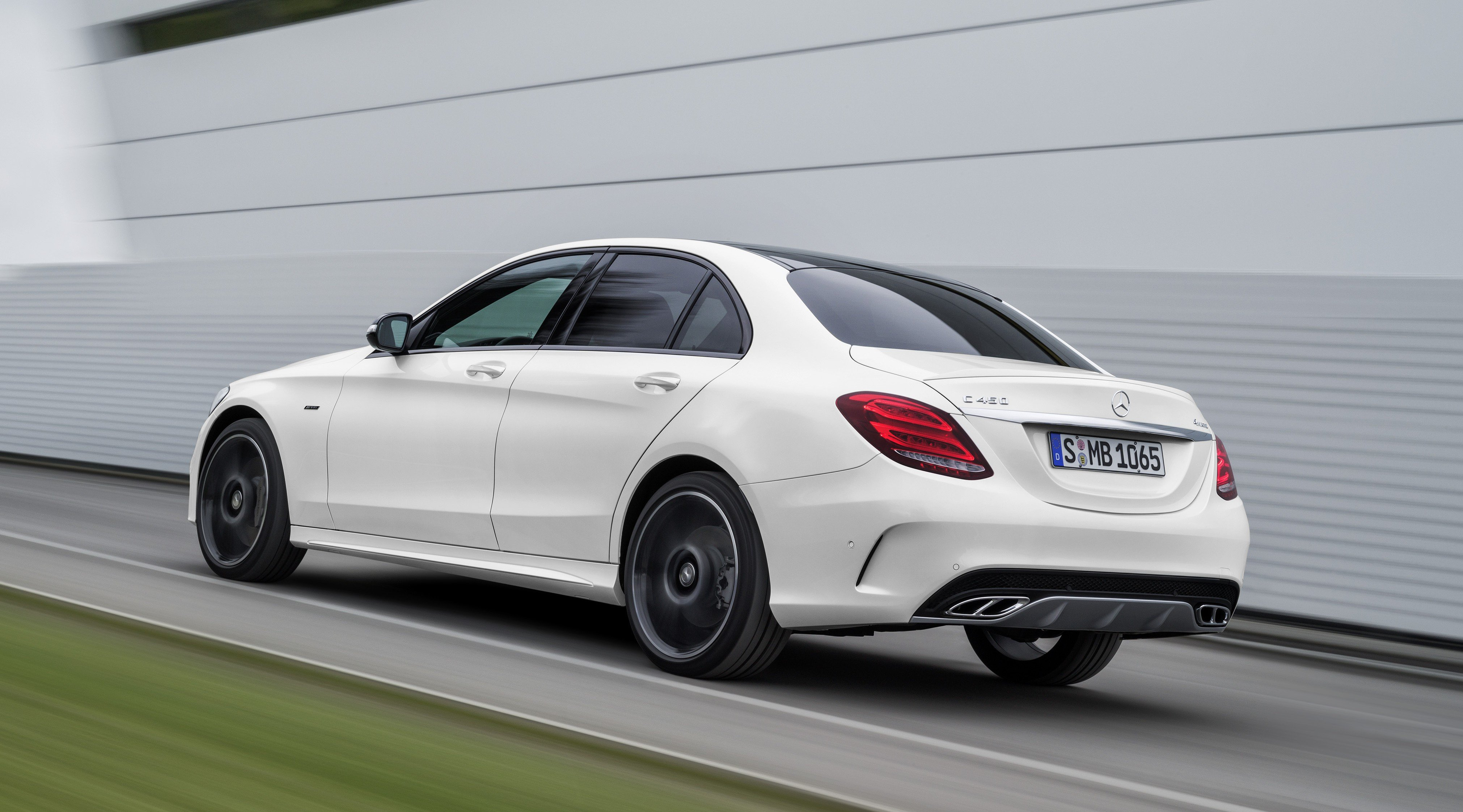 Mercedes benz c450 amg revealed sub c63 range opener for Mercedes benz c450 amg
