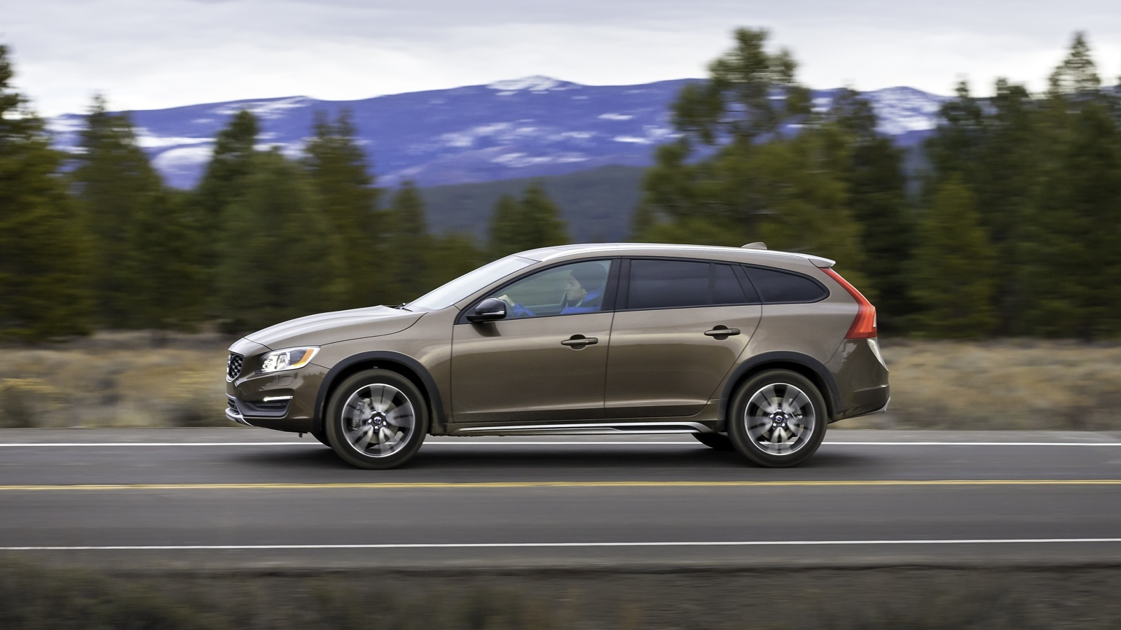 2015 volvo v60 cross country review caradvice. Black Bedroom Furniture Sets. Home Design Ideas