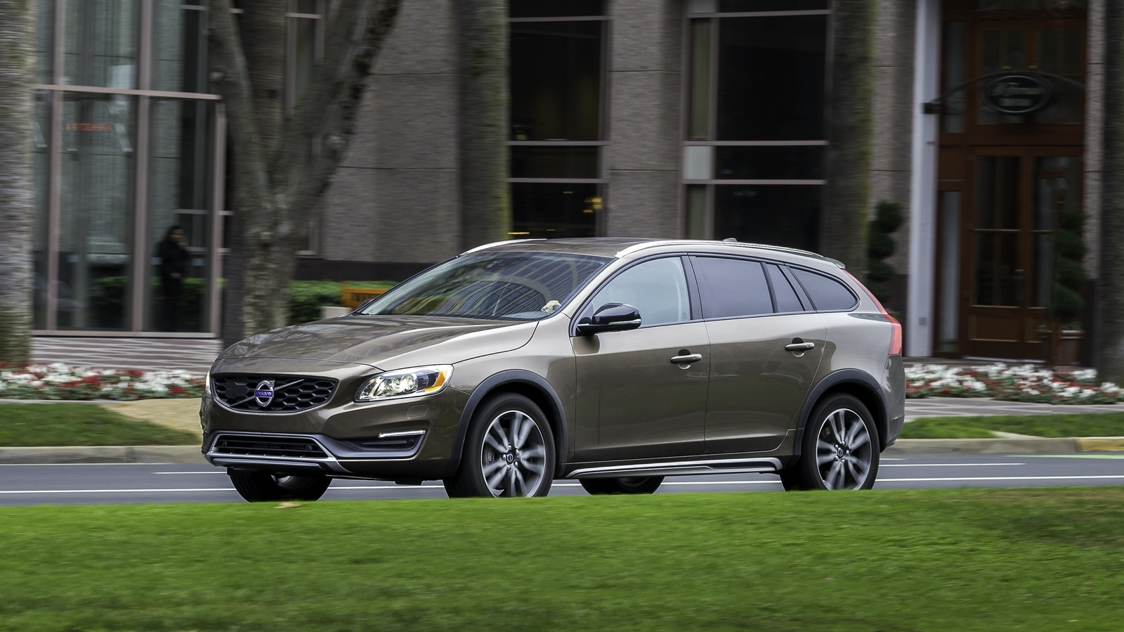 Original 2015 Volvo V60 Cross Country Review  CarAdvice