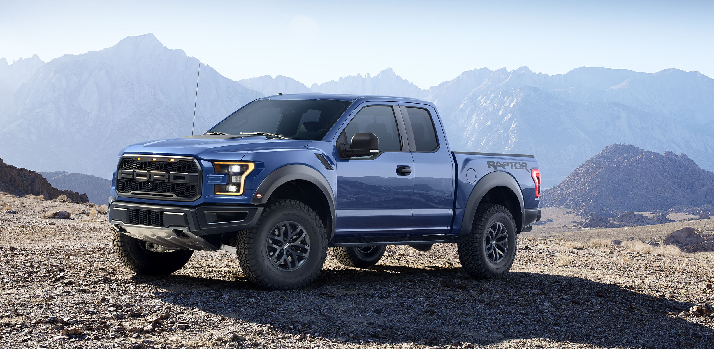 ford f 150 raptor mates 10 speed auto with high performance turbocharged 3 5 litre v6 photos. Black Bedroom Furniture Sets. Home Design Ideas
