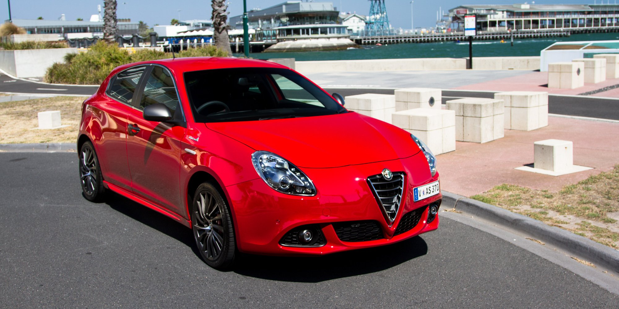 Camry Vs Corolla >> 2015 Alfa Romeo Giulietta Distinctive QV Line Review ...