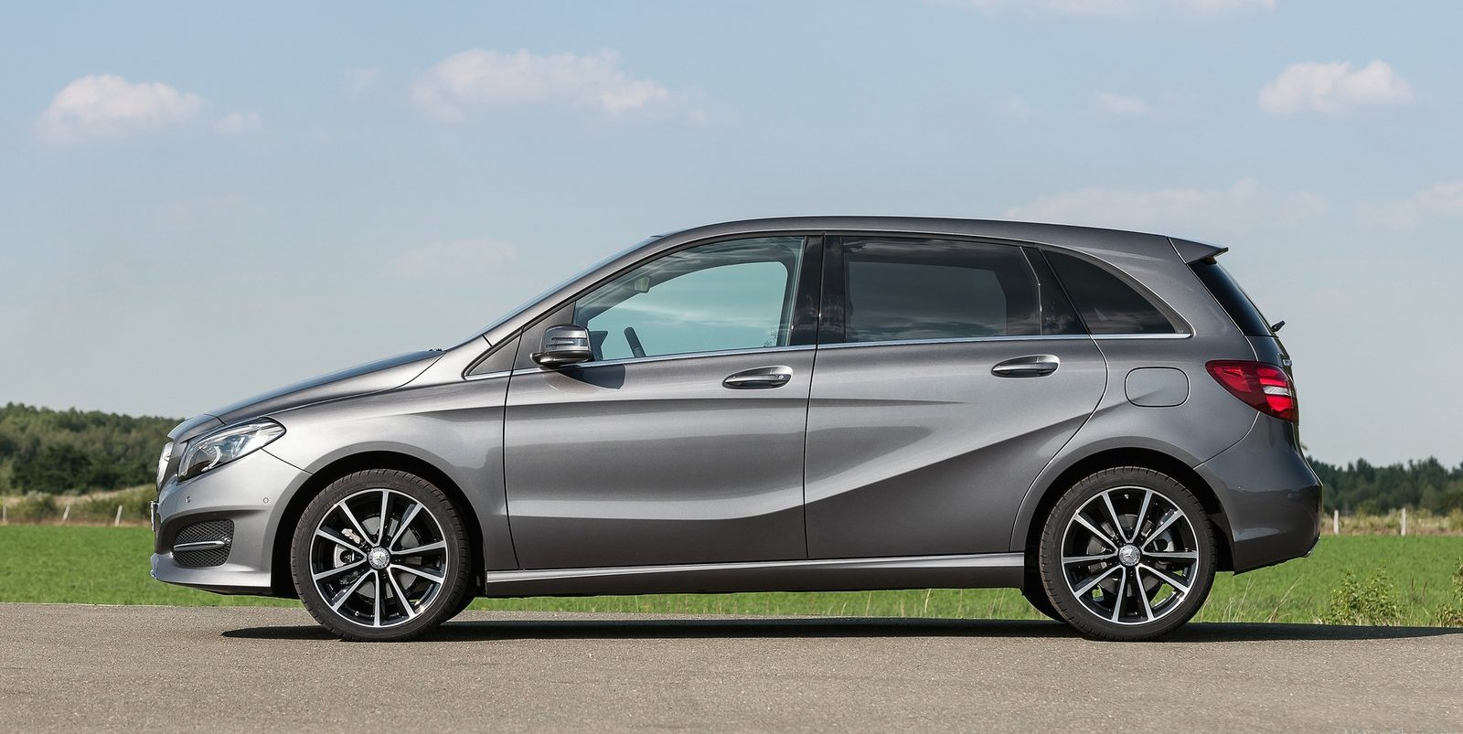 2015 mercedes benz b class pricing and specifications