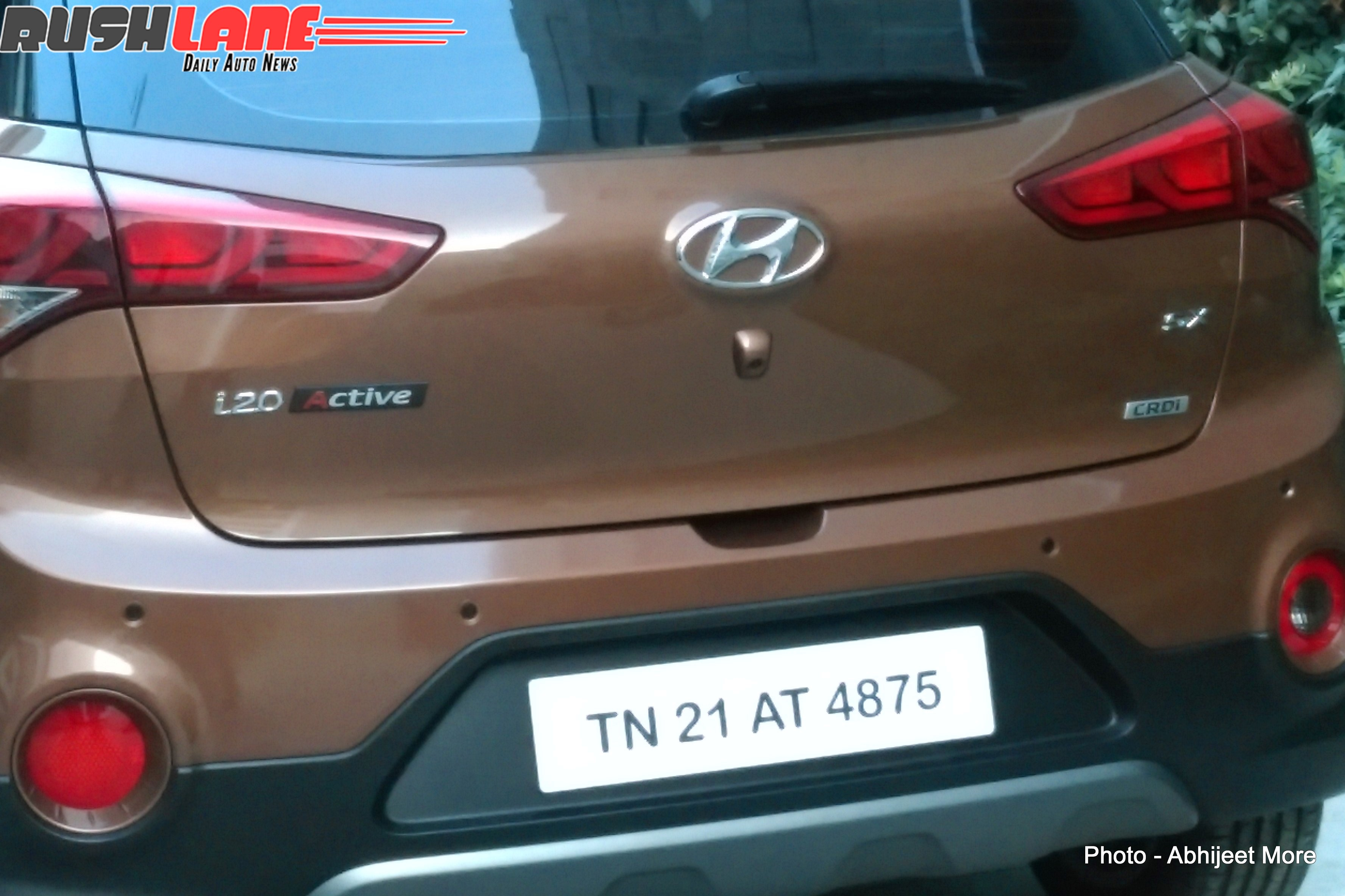 hyundai i20 active small crossover spied in india photos 1 of 7. Black Bedroom Furniture Sets. Home Design Ideas