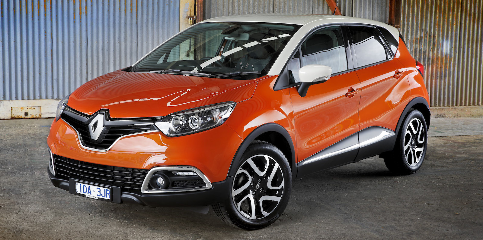 2015 renault captur pricing and specifications photos 1 of 7. Black Bedroom Furniture Sets. Home Design Ideas