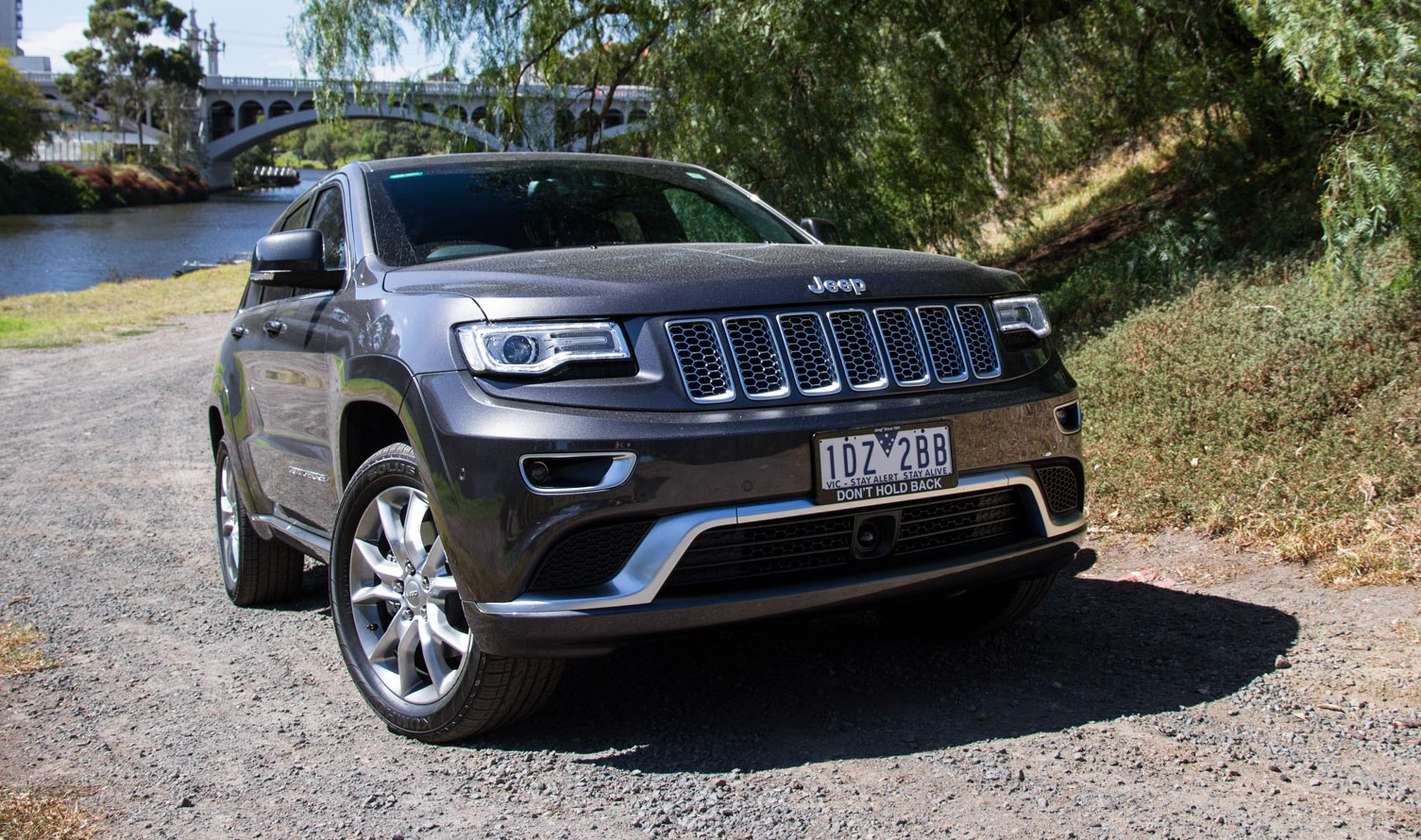 26 new jeep grand cherokee summit platinum first drive. Black Bedroom Furniture Sets. Home Design Ideas